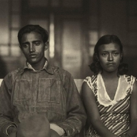 A young accused couple waiting for the judgement. Ciudad de México, ca. 1935.