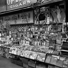 Newstand, 32nd Street and Third Avenue, New York, 1935