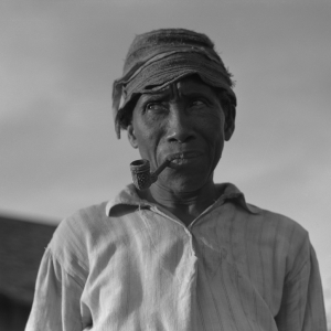 Old Negro. He hoes, picks cotton and is full of good humor. Aldridge Plantation, Mississippi. 1937