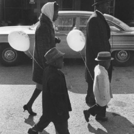 Untitled (family with balloons) 1950s/60s