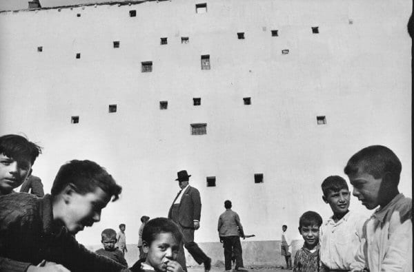 The Decisive Moment   Drew Pettifer YouTube henri cartier bresson decisive moment essay