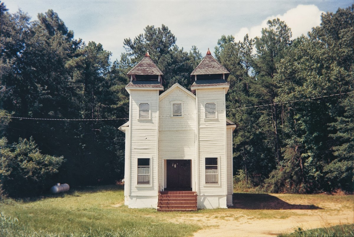William-Christenberry.-Church-Sprott-Alabama-1977.-PaceMacGill-Gallery-Nueva-York. (Custom)