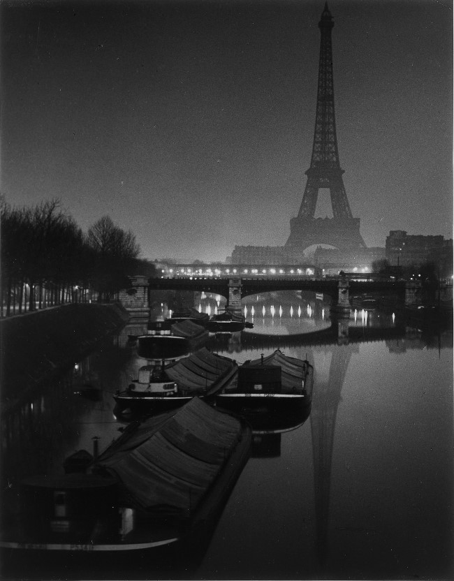 The-Eiffel-Tower-at-Twilight-1932 (Custom)