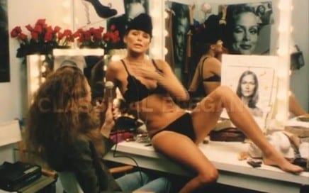 "ASX.TV: Richard Avedon – ""Jun Rope' – Lauren Hutton"" (1973)"