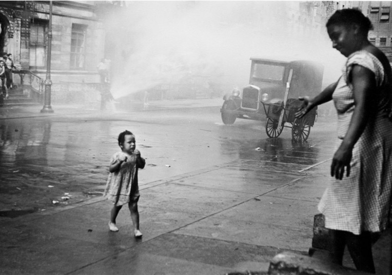 child�s play in helen levitt�s early photographs 2009