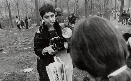 winogrand-diane-arbus-love-in-central-park-new-york b