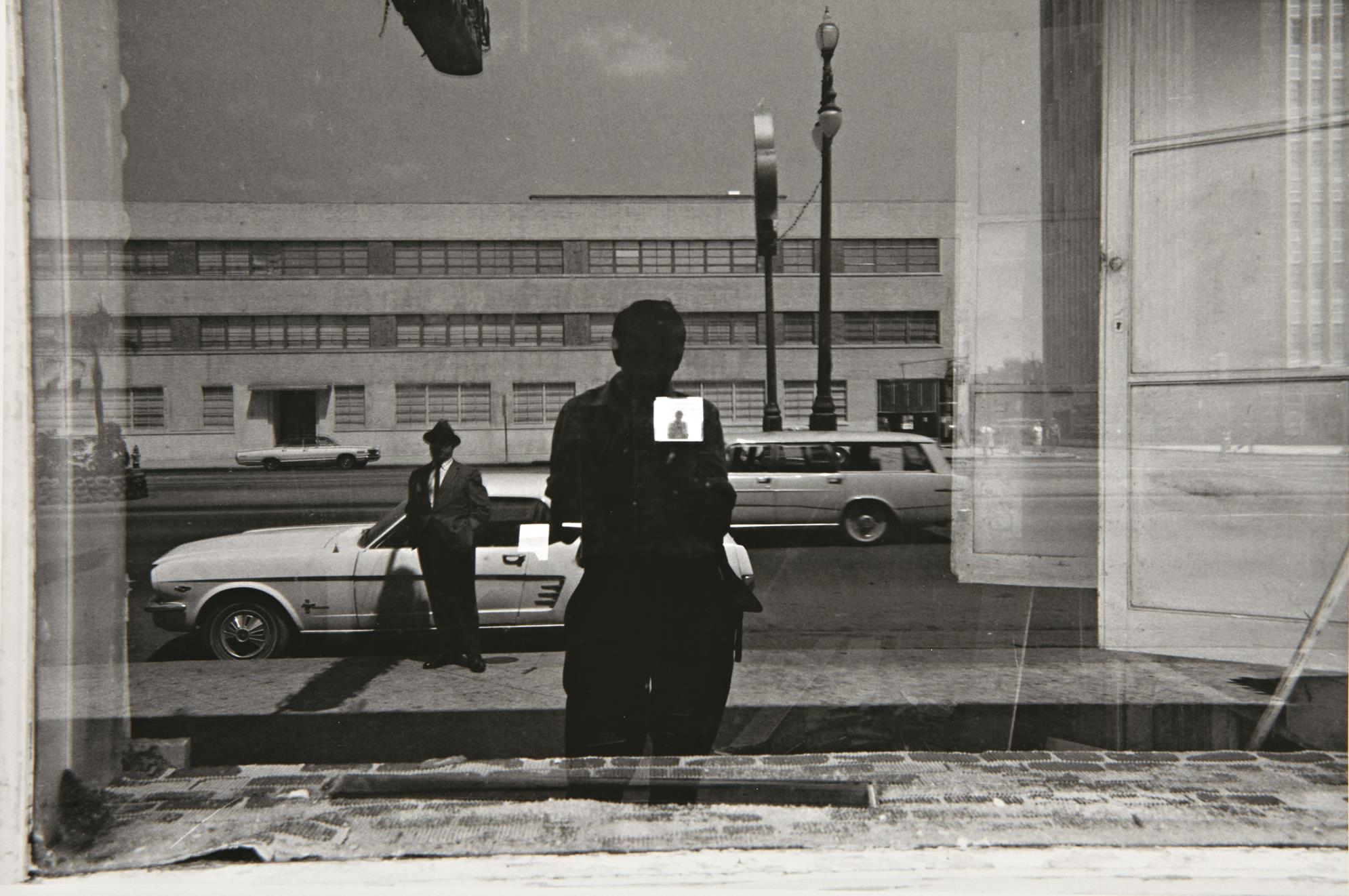 Lee Friedlander Puts Your Selfies to Shame