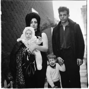 """DIANE ARBUS: """"Arbus's Box of Ten Photographs"""" (2003)"""