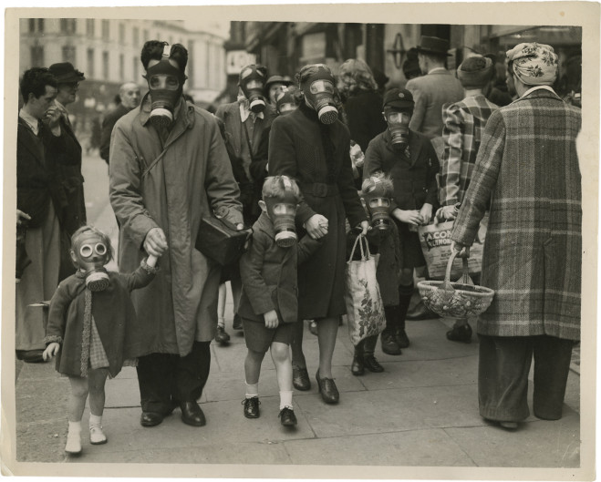 Blitz_Tear-Gas-Test-at-Richmond_1941