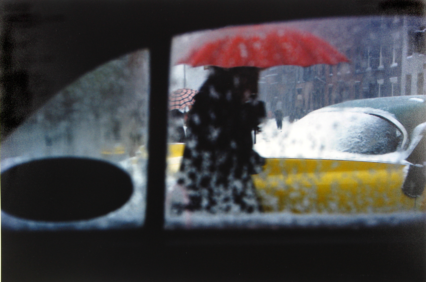 saul leiter 39 s color street photography the palette of nyc asx. Black Bedroom Furniture Sets. Home Design Ideas