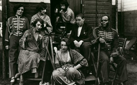 4.-August-Sander-Circus-Artists