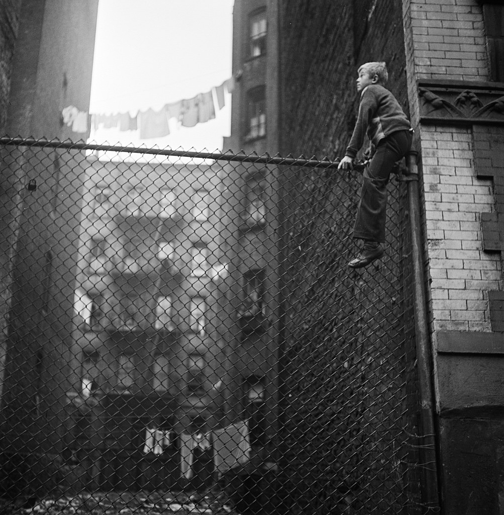 Stanley Kubricks Photographs of 1940s NYC AMERICAN