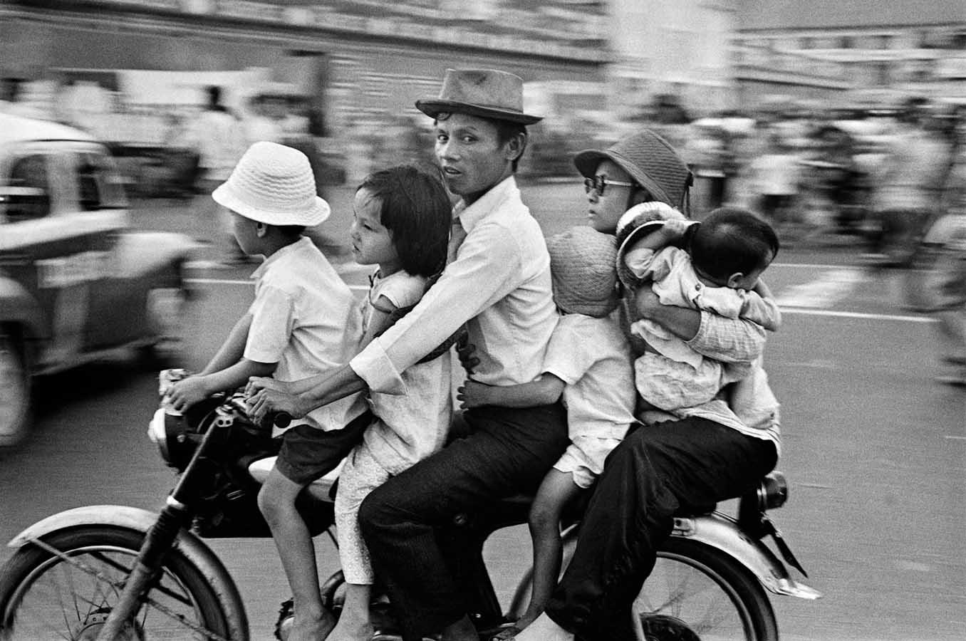 Raymond Depardon Manhattan Out And Adieu Saigon